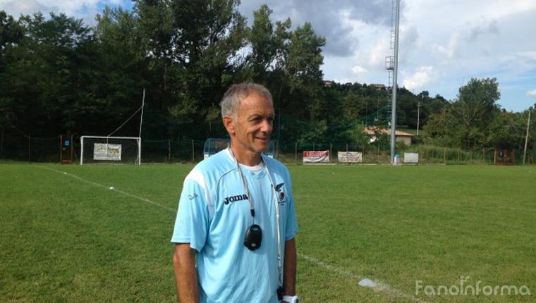 Mister Alessandrini, allenatore della prima squadra dell'Alma Juventus Fano