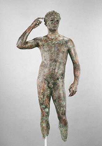 L'Atleta di Fano, attribuita allo scultore grego Lisippo (IV sec. avanti Cristo)