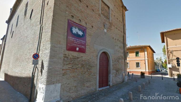 La chiesa del Suffragio in centro storico a Fano