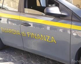 L'auto della Guardia di Finanza