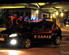 Controlli notturni dei carabinieri alla stazione del treno di Fano