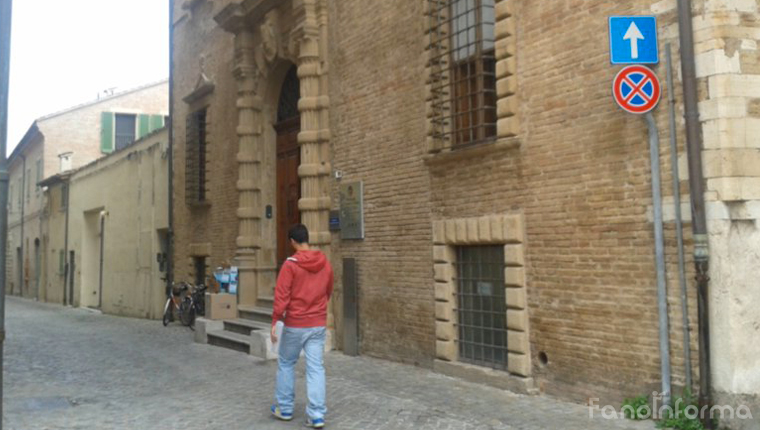 L'ingresso del Centro per l'Impigo di Fano, in via de Cuppis