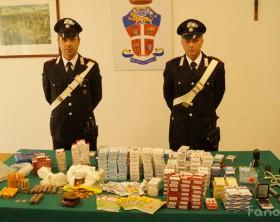 Il bottino sequestrato dai carabinieri di Fano