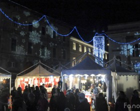 Piazza del Popolo a Pesaro in versione natalizia