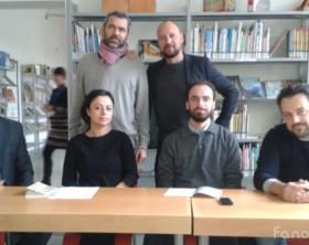 Parenti e amici di Peppe Nigra, insieme all'assessore Samuele Mascarin, promotori del Fondo Peppe Nigra