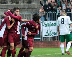 L'Alma Juventu Fano esulta dopo un gol di Sassaroli allo stadio Mancini di Fano