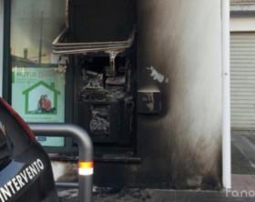 Il bancomat fatto esplodere delle afiliale della BCC del Metauro in via Flaminia