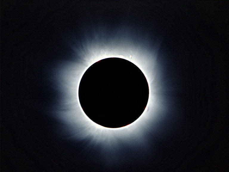 Eclissi di sole (immagine tratta dal web)