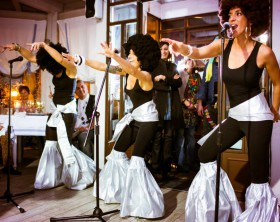 Come Together, la festa Anni '70 andata in cena ieri sera da Cile's