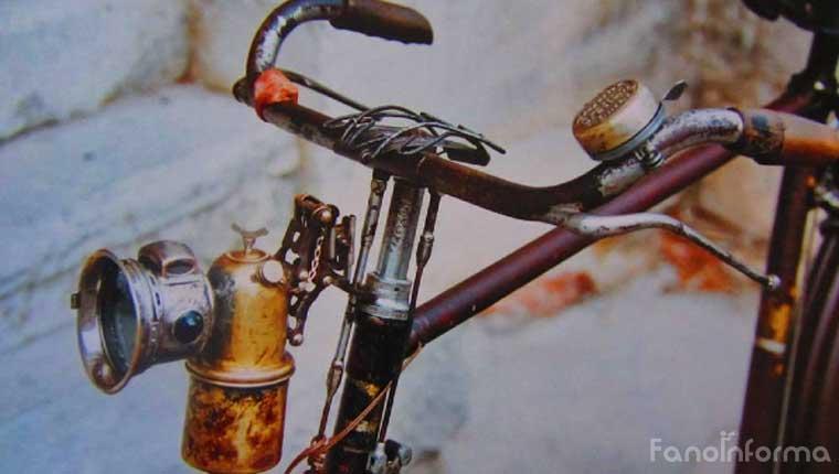 """La foto della locandina della mostra """"Bici del passato"""" a Fano"""