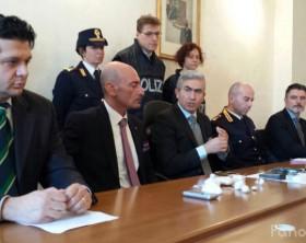 La conferenza relativa agli arresti effettuati a Pesaro e Fano coordinati dalla Questura di Pesaro e Urbino