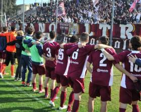 I saluti dell'Alma Juventus Fano ai tifosi presenti allo stadio Mancini