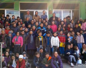 Bambini, studenti e genitori della scuola primaria Decio Raggi di Fano