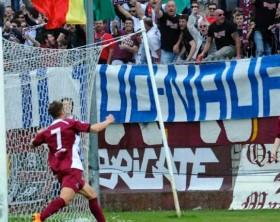 Sivilla esulta dopo il gol alla Vis Pesaro