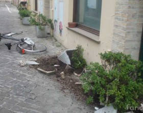 La bici travolta in via San Paterniano, nel centro storico di Fano