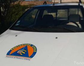 Un mezzo della protezione civile di Pesaro e Urbino