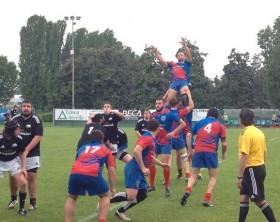 Un'azione del Fano Rugby