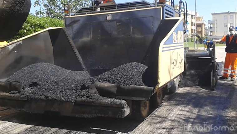 Lavori di asfaltatura a Fano