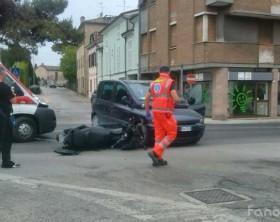 l'incidente avvenuto lungo la statale Adriatica all'incrocio con via della Liscia a Fano