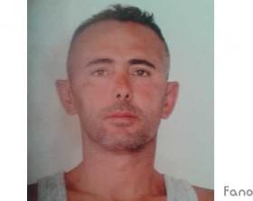 Ulian Hasa, albanese 40enne condannato in primo grado a 8 anni di reclusione per reati di prostituzione minorile, violenza sessuale ai danni di minorenni, anche di età inferiore ai 14 anni, corruzione di minorenni e violenza privata. E' ritenuto responsabile di abusi su 8 ragazzi di età compresa tra i 13 e i 16 anni di Fano.