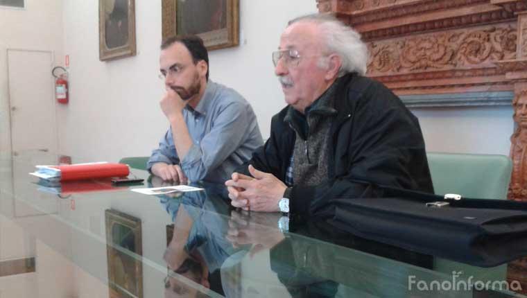 L'assessore alla Memoria di Fano Samuele Mascarin e l'autore Dante Piermattei