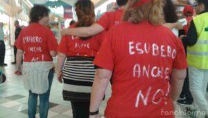 """""""Esuberi anche no"""", lo slogan della protesta dei dipendenti dell'Auchan Fano"""