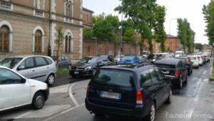 Traffico rallentato in viale Gramsci a Fano a causa del maltempo