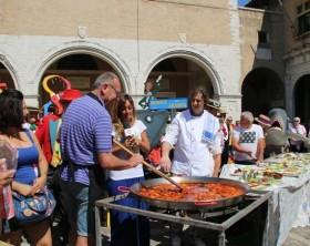 il pentolone cucinato per Mezzogiorno Italiano - Foto Ilario Gaggi
