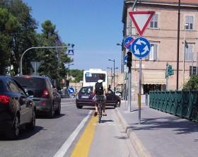 Pista ciclabile a Fano (fonte immagine: http://forbicifano.blogspot.it/)