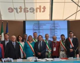 I sindaci della provincia di Pesaro e Urbino insieme al governatore delle Marche Luca Ceriscioli