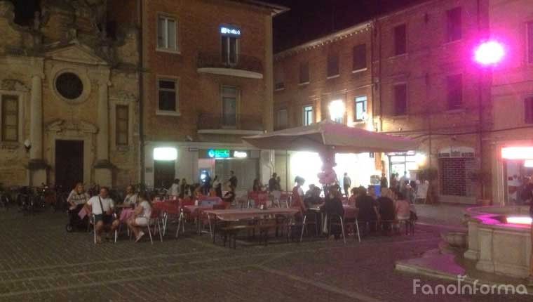 Notte Rosa in centro storico a Fano