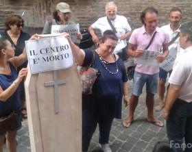 i commercianti parlano con il sindaco di Fano Massimo Seri