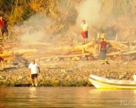 L'incendio nella spiaggia di Pesaro