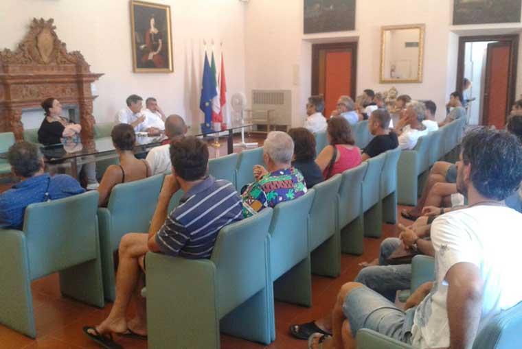 riunione tra commercianti e sindaco