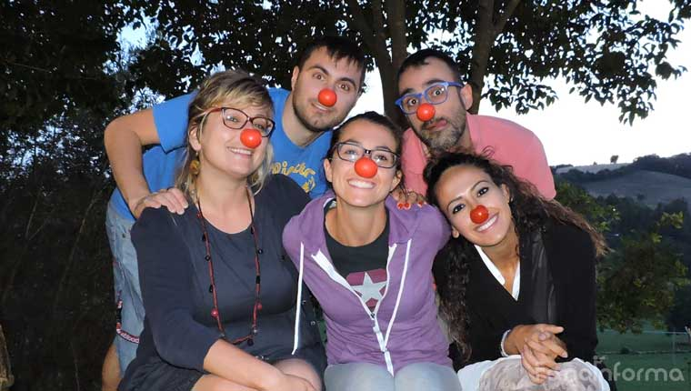 """i """"Clowndottori"""" di T'immagini Onlus di Pesaro: Claudia (Klod) Campagna , Marco Coccioli, Giovanni Zappacosta, Ibtissam Mouhsine, Ginevra Montanari"""