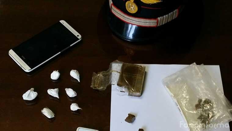 il materiale sequestrato dai carabinieri di Fossombrone