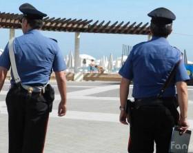 Controlli agli stabilimenti balneari del Carabinieri del Nucleo Antisofistacazioni e Sanità di Ancona insieme ai carabinieri di Fano