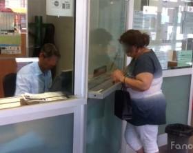 La biglietteria del trasporto pubblico locale alla stazione degli autobus, nodo di scambio di Fano