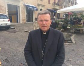 Vescovo Armando Trasarti