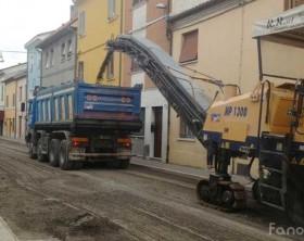 Lavori di asfaltatura delle strade a Fano