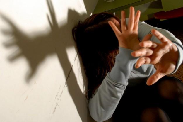 violenza-sulle-donne-in-casa-propria (foto tratta da www.pourfemme.it)