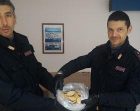 I biscotti alla marijuana trovati dalla polizia