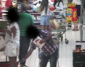 Molestatore all'Auchan