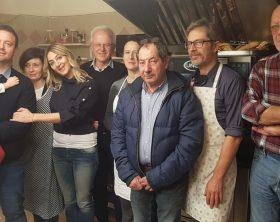 Foto Mirco Carloni, Laura Cecconi, Giuseppe Franchini con i volontari della mensa